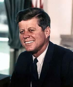 Adamski, Kennedy et les Extraterrestres John_f__kennedy_white_house_color_photo_portrait