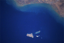 Image satellite de l'Iran et Khark Khargou Islands