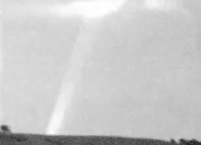 Etrange rayon de lumière dans le Wiltshire Beamlight2