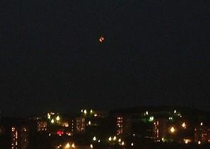 Des centaines de personnes voient des OVNIS à Vladivostok Ovni_vladivostok_noche