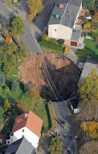 Mystérieux trou dans un champ en Moselle - Page 6 Cratere-allemagne