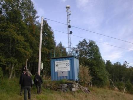 Campagne scientifique d'analyse des phénomènes lumineux observés dans la vallée d'Hessdalen en Norvège 101129_blue_box
