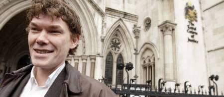 Grande-Bretagne : le « pirate aux ovnis » ne sera pas extradé Dv-704114-jpg_484298