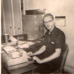 Richard Hall au siège du NICAP en 1963