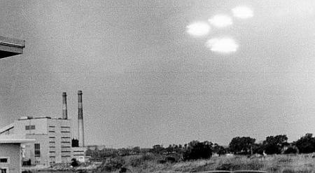 Photo d'OVNI, livrée par un garde-côte américain en 1952. Crédits photo : ASSOCIATED PRESS