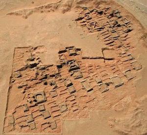 pyramides_decouvertes_au_souda