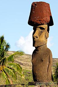 IPQ06_123-moai-pukao