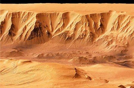 La planète rouge présente de nombreux canyons comme celui-ci appelé Candor Chasma. Il se trouve au nord des vallées Marineris. © ESA/ DLR/ FU Berlin (G. Neukum)