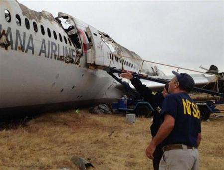 Les autorités américaines poursuivent l'enquête sur les circonstances du crash du Boeing d'Asiana à San Francisco. Photo EPA