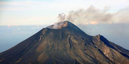 Le Volcan Mexicain Popocatepetl 23-7-2013 AFP/HO