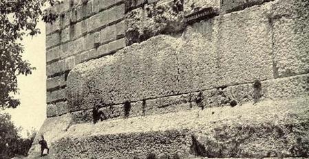 Megalithic-Trilithon-Baalbek