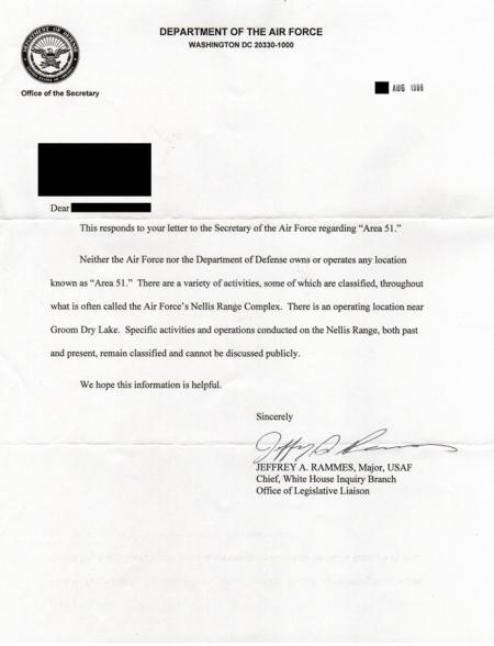 Une lettre de l'USAF répondant à une requête concernant la zone 51 (Wikimedia Commons)