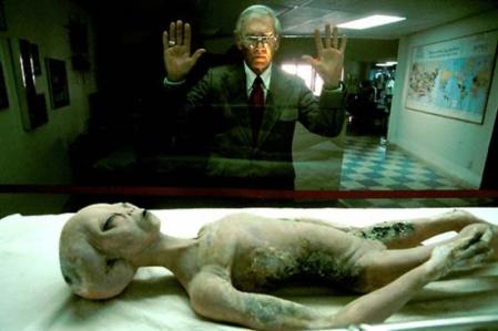 les-ufologues-sont-ils-victimes-d-une-malediction_4600944-L