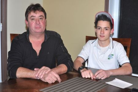 PHOTO DANIEL DESLAURIERS / AGENCE QMI Benoît Meilleur et son fils Samuel.