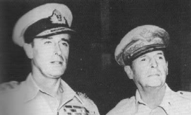 Commandants suprêmes des forces alliées Mountbatten et MacArthur