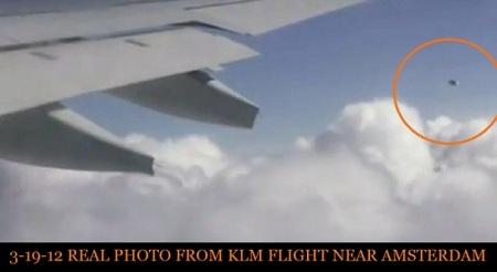 Photo réelle du vol KLM du 19-3-2013 près d' Amsterdam