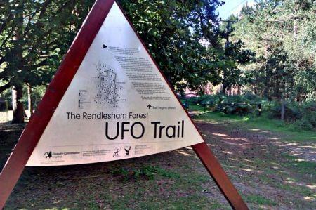La rencontre ovni de la Forêt de Rendlesham  est si célèbre qu'elle est devenue une attraction touristique