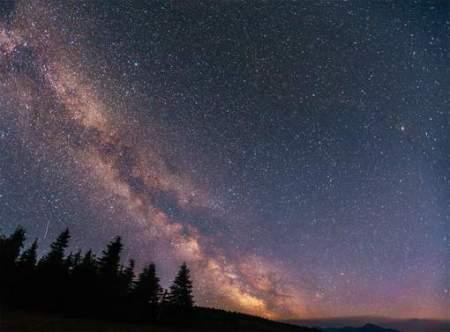 deep sky astrophoto © thinkstock.